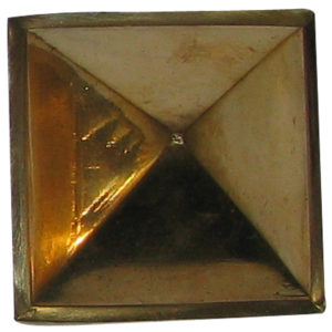a0453-b-hollow-brass-pyramid-1-inch-for-powerful-positive-energy-generator